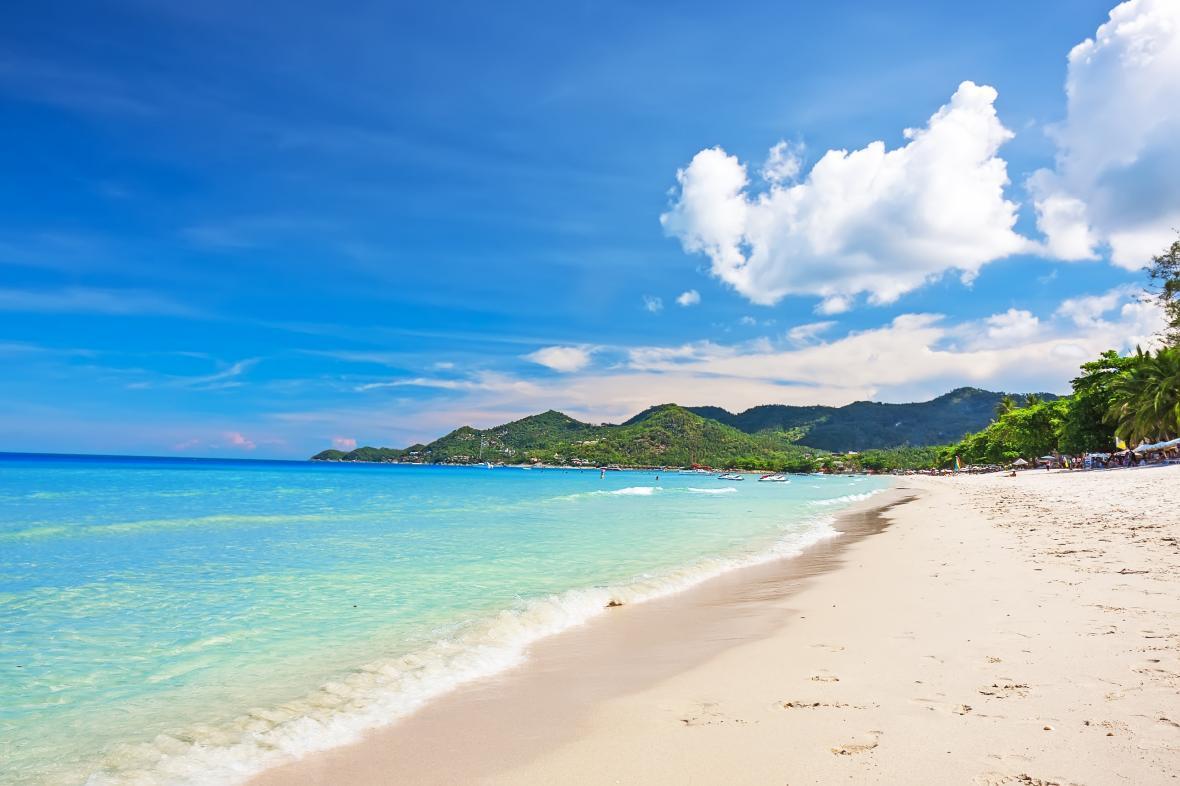 طرح ممنوعیت سیگار کشیدن در سواحل تایلند همچنان ادامه دارد