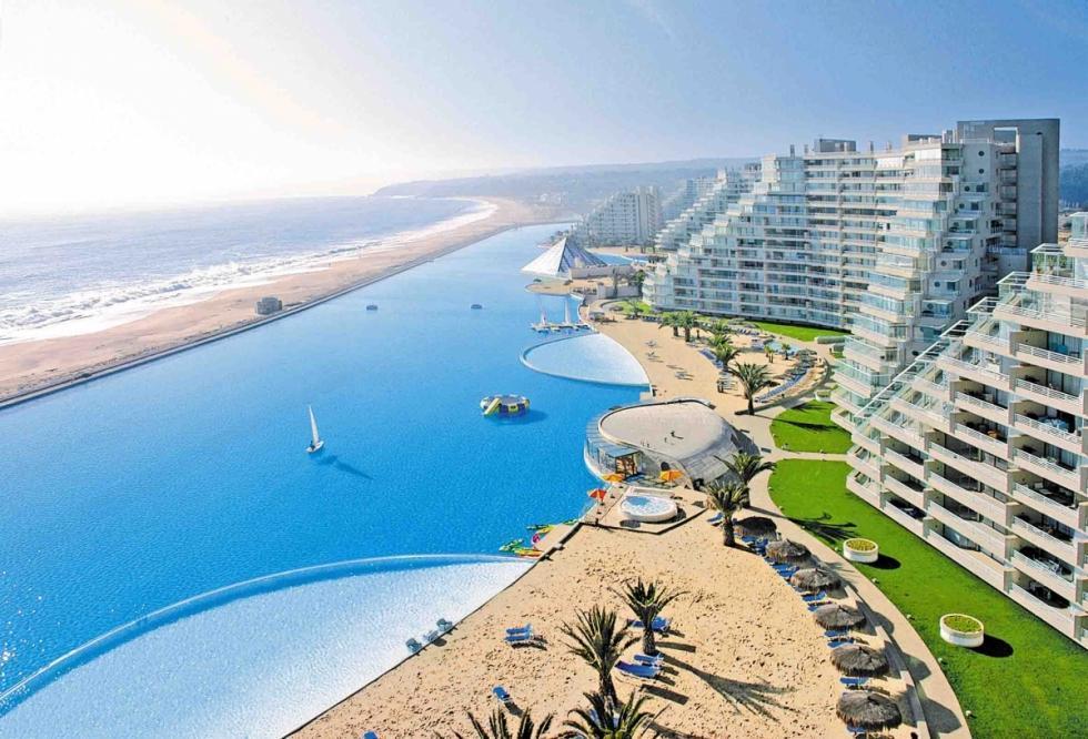 بزرگ ترین استخر شنا دنیا در شیلی