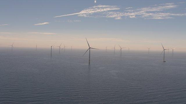 افتتاح بزرگترین مزرعه بادی جهان روی دریا