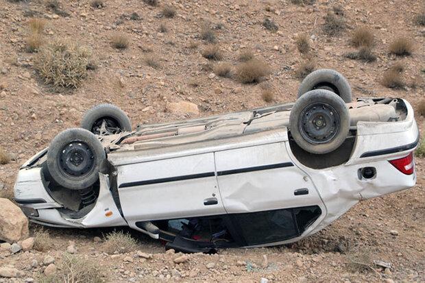 واژگونی خودرو سمند یک نفر را به کام مرگ کشاند