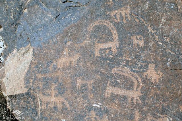 یادگاری نویسی بر سنگ نگاره های چند هزار ساله!
