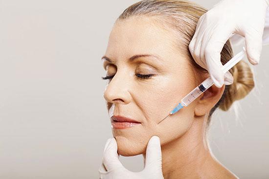 روش های لیفت و جوانسازی صورت؛ بدون جراحی و بدون دستگاه