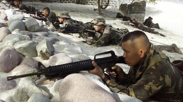 رزمایش فیلیپین و آمریکا در دریای چین جنوبی