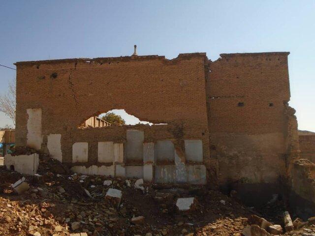 دیوار خانه قاجاری را در شیراز سوراخ کردند!