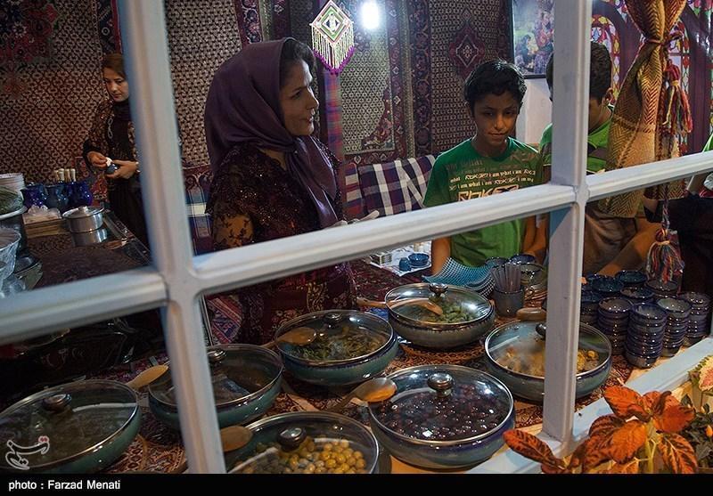 غنای سابقه فرهنگ غذایی ایران به عنوان جاذبه گردشگری استفاده می گردد
