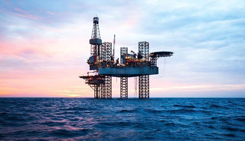 ارتباط قیمت نفت ایران و آمریکا