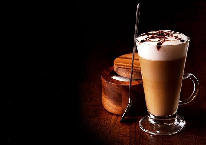 قهوه موکا چیست؟ طرز تهیه قهوه موکا یا موکاچینو با فرنچ پرس در خانه