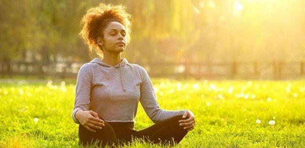 مدیتیشن سکوت؛ کاری که برای آرامش خودتان باید انجام دهید