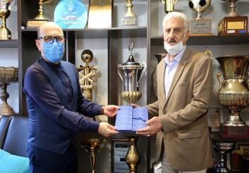 پیشکسوت استقلال خطاب به حسینی: بچه من نمی خواهم تو را لِه کنم