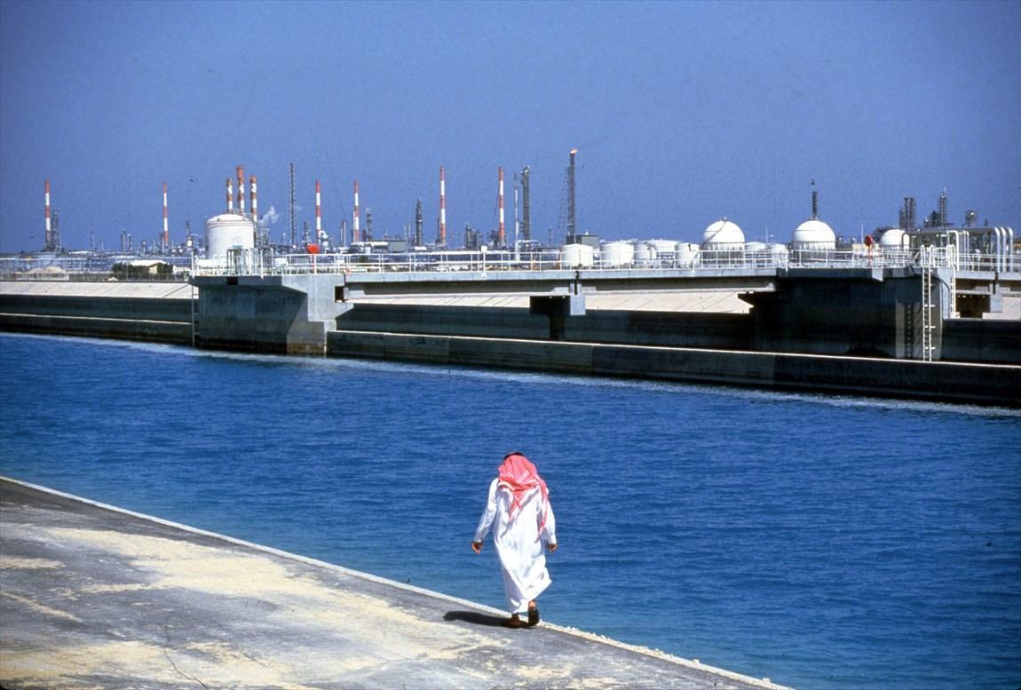 سعودی ها منتظر روزهایی سخت باشند، اقتصاد عربستان در شرایط بحران