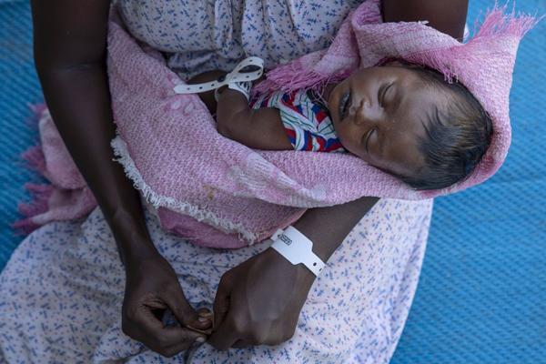 نوزاد آواره (عکس)