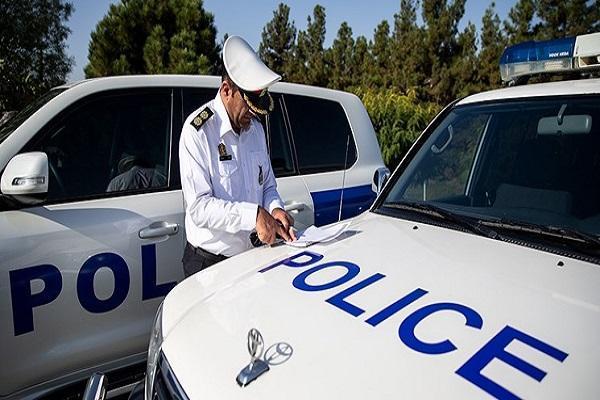 باز بودن پارک ها و تفرجگاه ها منوط به نظر ستاد ملی مبارزه با کروناست، پلیس جهت کنترل ترافیک حضور دارد