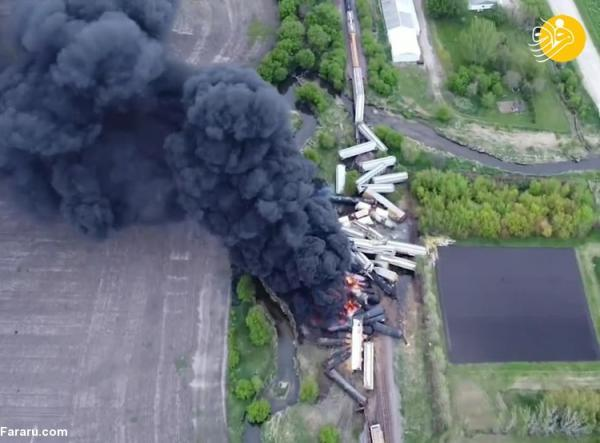 (ویدئو) آتش سوزی قطار باری پس از خارج شدن از خط در آمریکا