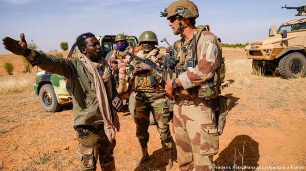 چرا فرانسه عملیات مشترک نظامی با اقتصادی را تعلیق کرد؟