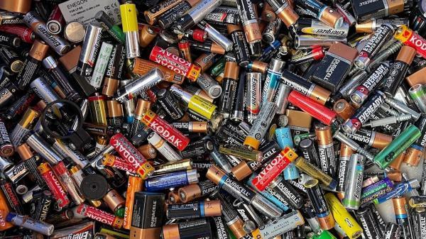 روش نو دانشمندان برای تبدیل ضایعات مواد غذایی به باتری